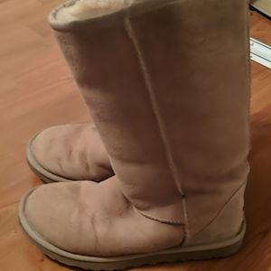 Ugg boots like new